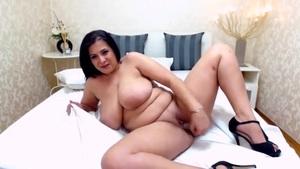 Big Breasts Juggling