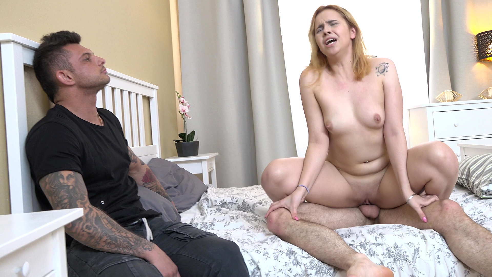 Sandy-haired Girlfriend Screw For Hire Cash